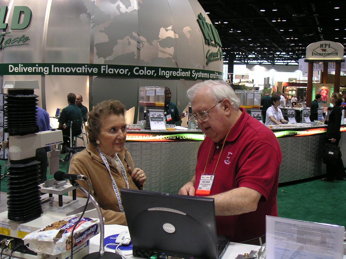 Boine and Alina at IFT 2003